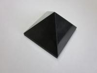 Пирамида полированная 8х8см